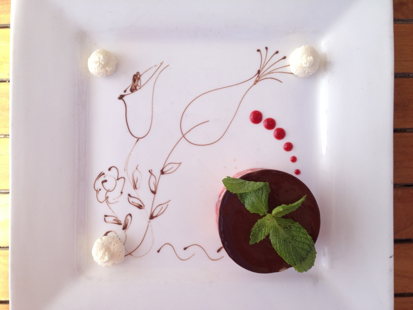 Art on a place - the strawberry and chocolate tart