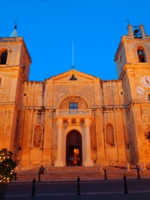 The grand Maltese churches by night
