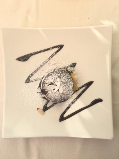 Amazing 'chocolate tart with a warm heart'